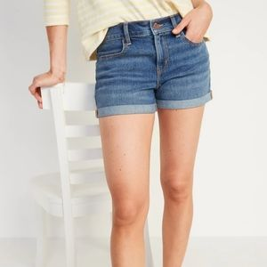 Old Navy Sweetheart Mid Rise Blue Jean Shorts